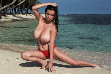ewa_sonnet_topless_beach_006