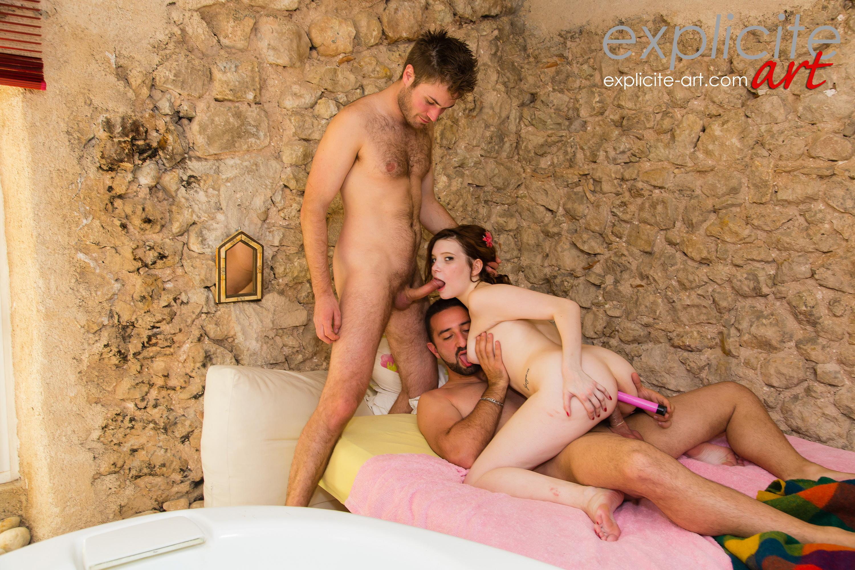 Premier porno pour une jeune fille a gros seins - 1 part 6