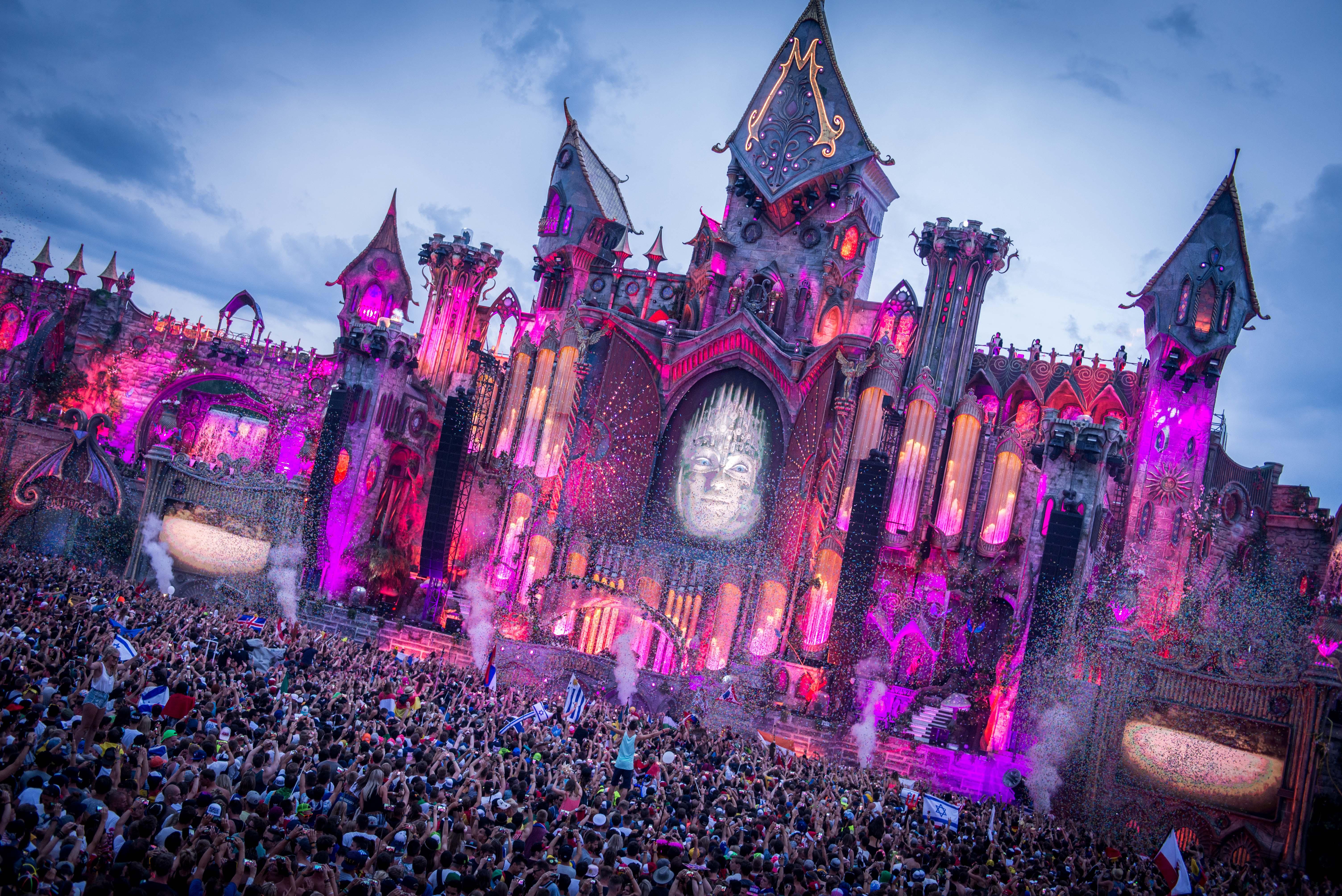 Tomorrowland_2015