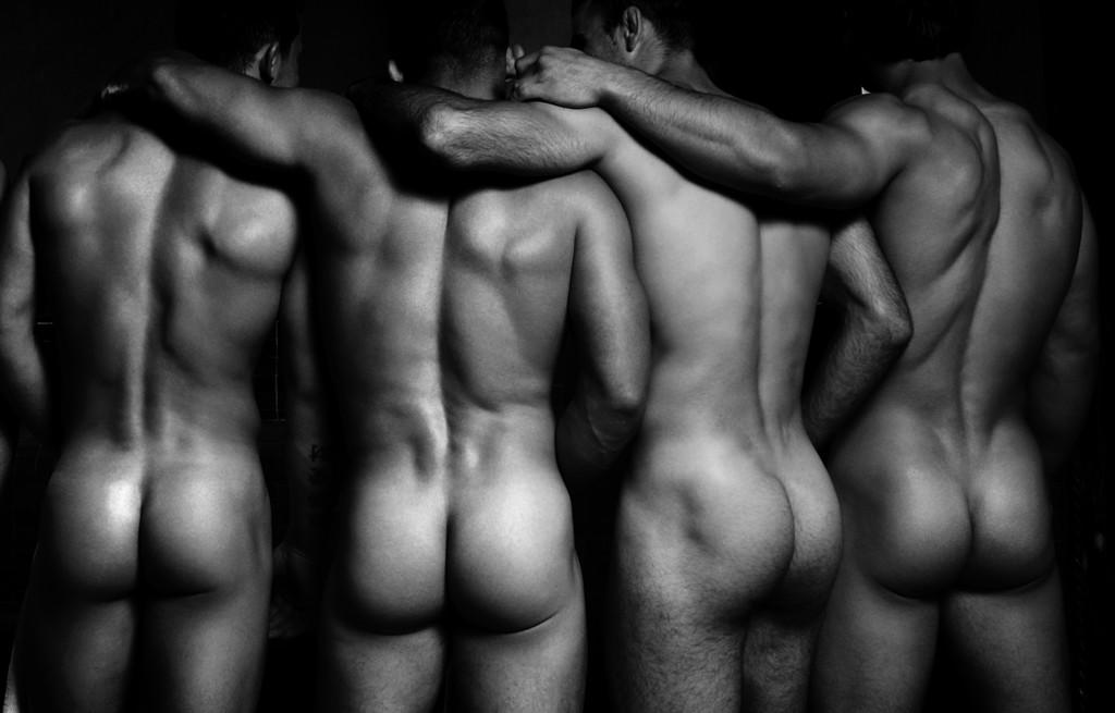lvdx-gay-des-calendriers-pour-nous-les-gays-visuel-5-dieux-du-stade