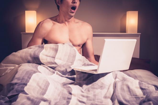 LVDX - ETUDE - Porno, les hétéros adorent le porno gay - Visuel (3) - Handjob