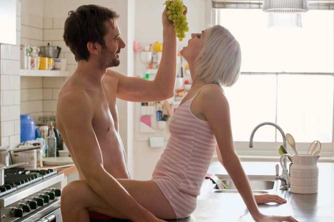 LVDX - PRATIQUE SEXUELLE - Sexe - jouez avec la nourriture - Visuel (6) - Couple game