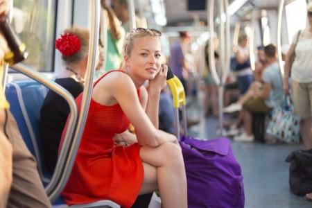 LVDX - INSOLITE - Baiser dans les transports en commun - Visuel (1) - Une
