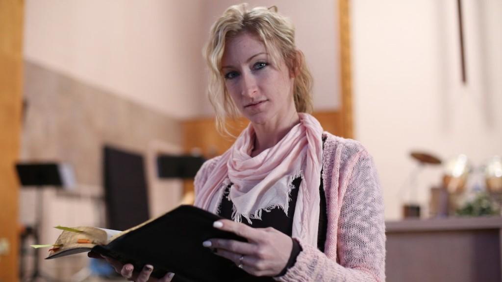LVDX - US 25 - Et Dieu dans tout ça - Visuel (X) - Crystal Bassette dans son église