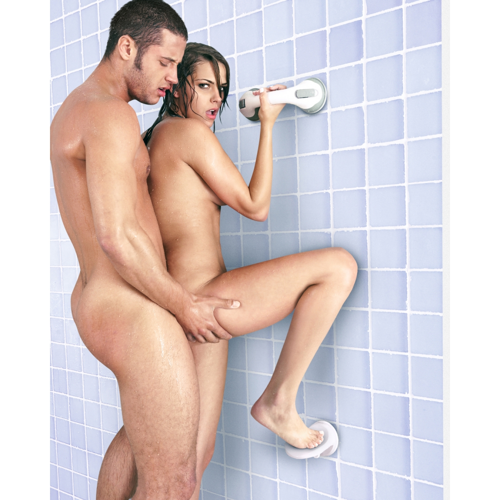 repose-pied-ventouse-sex-in-the-shower