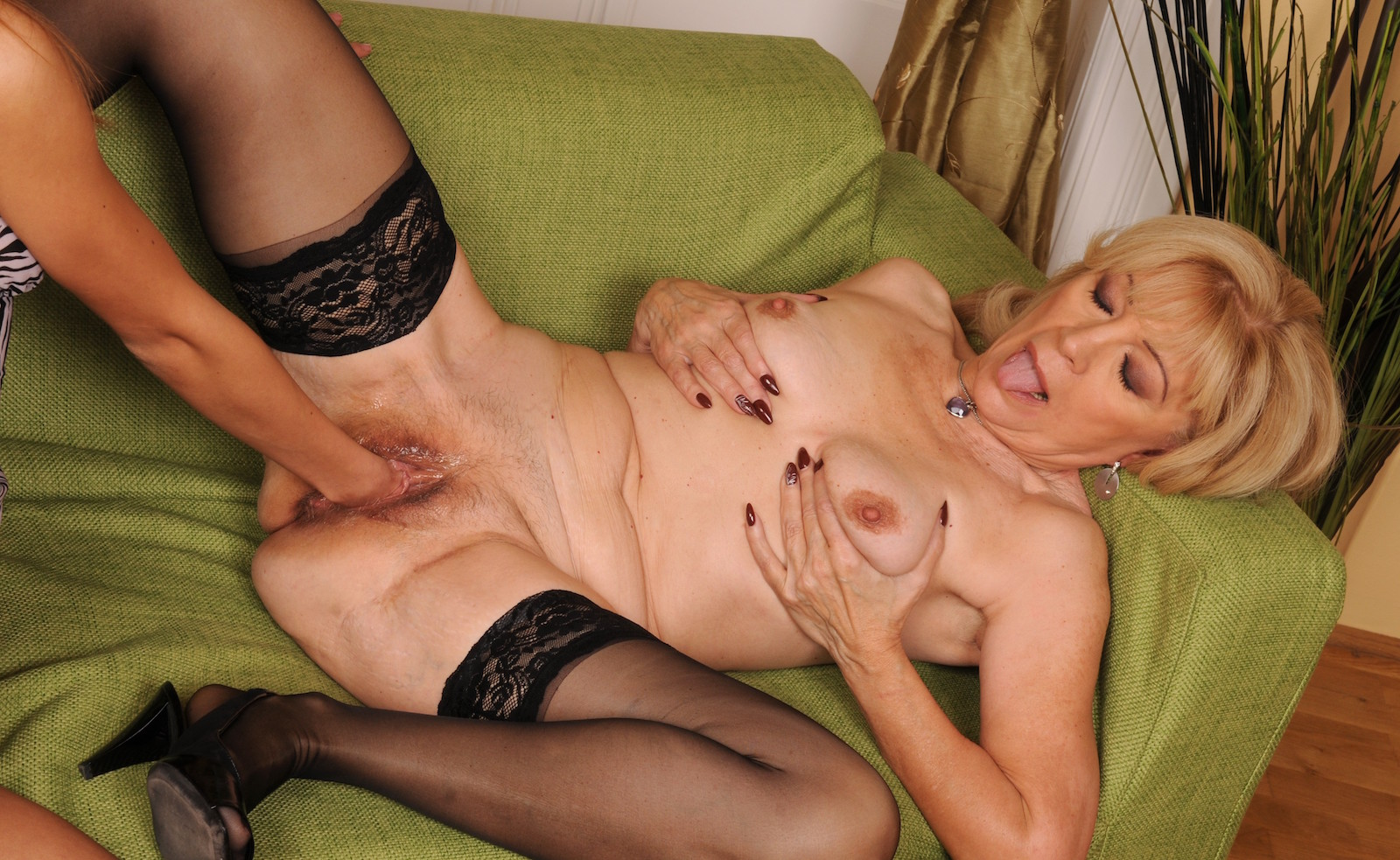 Pin on hot milf's cougars gilf's